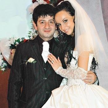 Кто жена у Михаила Галустяна?