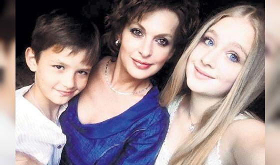 Кто жена Сергея Бодрова и кем стали дети знаменитого актера?